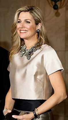 Queen Maxima of The Netherlands. Mode Top, Queen Dress, Queen Maxima, Fashion Dresses, Style Inspiration, Stylish, Lady, My Style, Womens Fashion