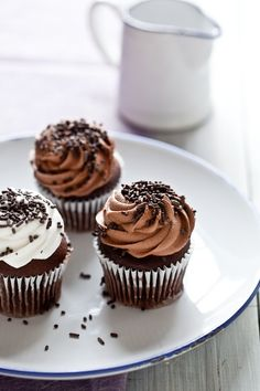 Nutella Cupcakes and Nutella cream cheese frosting - YUM!