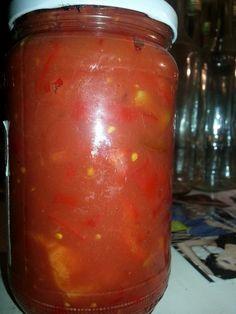 Ljuti pinđur po isprobanom receptu naših baka preporučujem kao pikantan namaz, osvežavajuću salatu, odličan prilog kuvanim i pečenim jelima. Pinđur je pravi specijalitet od paprika, paradajza i plavog patlidžana. Priprema  Očistiti i oprati paprike, paradajz i patlidžan pa ih ispeći i ostaviti poklopljene u velikoj posudi da se potpare i lako oljušte. Zatim ih … Настави са читањем Ljuti pinđur po isprobanom receptu naših baka