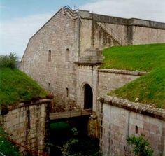 Para finalizar el día os invitamos a pasear por el fuerte de San Marcos. http://www.rutasconhistoria.es/loc/fuerte-de-san-marcos