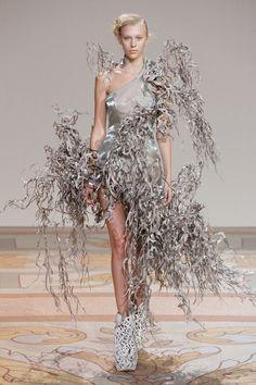 Iris Van Herpen Haute Couture Fall 2013 #irisvanherpen