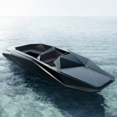 """Faceted """"sailor Moccasin""""? (F. Gallanti definition) Z-Boat by Zaha Hadid"""