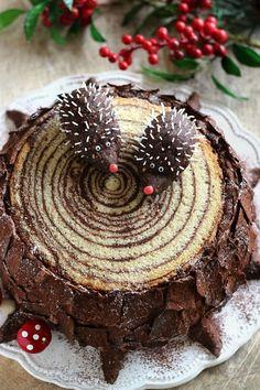 Juditka konyhája: ~ SÜNIS FATÖRZSTORTA ~ Sweet Recipes, Cake Recipes, Dessert Recipes, Cupcake Cookies, Christmas Treats, Vegan Desserts, No Bake Cake, Cake Designs, Amazing Cakes