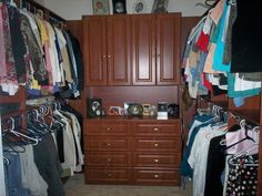 Are you looking for the Custom Closets? Then choose our most trendy and qualitative closets that matches with your other room objects. Call us now on 954-856-8483.