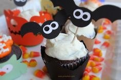 Fun #Halloween #Cupcakes Ideas.  Too cute!!