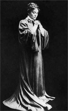 Eleonora Duse Nata il 3 Ottobre Attrice teatrale italiana .(1858-1924)