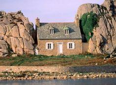 Castel Meur, off the coast of Plougrescant, Bretagne, France Monuments, Festival Interceltique, France Wallpaper, Region Bretagne, Houses In France, Brittany France, Unusual Homes, Cabins And Cottages, Stone Cottages