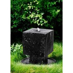 Our new underground basin design brings sculptural greatness to your yard - stacked cube design brings a linear look to your landscape. Underground basin provides elongated time between refilling fountain. Feng Shui Fountain, Basin Design, Cube Design, Garden Fountains, Outdoor Fountains, Water Features In The Garden, Beautiful Gardens, Home And Garden, Indoor Garden