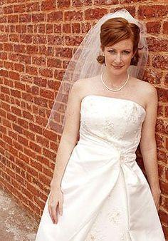 Cute short wedding hair!
