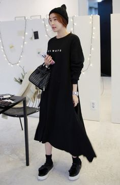 This oversized sweatshirt-styled midi dress is an ideal alternative for a hip but comfy look. It features a simple word print across the chest, with classic round neck, long sleeves with tapered cuffs, and a loose fit for a laid-back silhouette. You can wear it as is, or layer with cardigan then finish off with platform sneakers. #Miamasvin