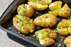 Cartofi zdrobiți la cuptor - o bunătate! Încearcă să nu-i mănânci singură pe toți... - Bucatarul