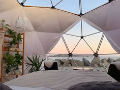 🌊 Nordsjø Dome 🌊 - Bungalower til leie i Karmøy, Rogaland, Norge West Coast Cities, Enjoy The Silence, Beach Bungalows, Stavanger, Cultural Experience, Retro Furniture, Double Beds, Ocean Life, Bouldering