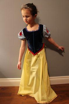 Disney Inspired Snow white dress sz 4-6 years by gardenpetal on Etsy