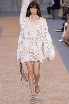 Chloé - Spring Summer 2016 Ready-To-Wear - Shows - Vogue. Fashion Week Paris, Runway Fashion, Spring Fashion, Chloe Fashion, High Fashion, Fashion Show, Fashion Design, Chloe Dress, Manish Arora