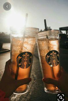 Café Starbucks, Starbucks Tumbler, Comida Do Starbucks, Bebidas Do Starbucks, Starbucks Secret Menu, Fun Drinks, Yummy Drinks, Yummy Food, Aesthetic Coffee