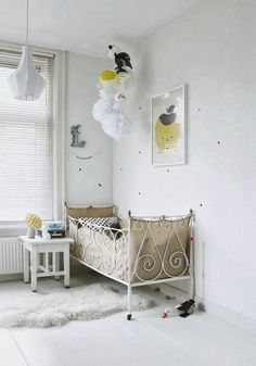 A white and yellow children's bedroom via @deuxpardeuxKIDS
