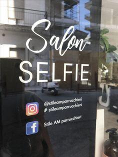 SALON SELFIE SELFIE STATION