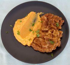 Σνίτσελ χοιρινό με πουρέ γλυκοπατάτας | Cookos Cornbread, Hummus, Risotto, Meat, Ethnic Recipes, Food, Millet Bread, Essen, Meals