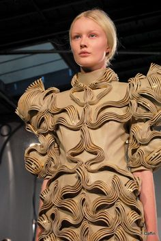 """Wearable Art inspired by electromagnetic waves - 3D printed dress with complex sculptural pleats & patterns // """"Radiation Invasion,"""" Iris Van Herpen"""