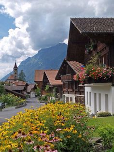 Brienz (Kanton Bern)... Book your holiday now via www.nemoholiday.com or simply visit switzerland.superpobyt.com