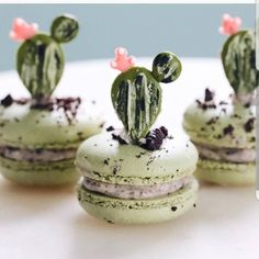 "8,286 Likes, 85 Comments - AmourDuCake (@amourducake) on Instagram: ""Yes or no?? Cookies n'cream cactus macarons by @nutmegandhoneybee I love cactus macarons …"""