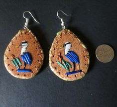 Great Blue Heron earrings - porcupine quill on birch bark: Paul St John, Mohawk Birch Bark Crafts, Native Beadwork, Blue Heron, Bead Earrings, Art Forms, Quilling, Native American, Beading, Traditional