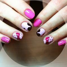 Nails pink mouse