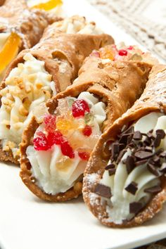 Are you food lovers? Looking for Sicilian Cannoli Recipe? Try step-by-step recipe for Sicilian Cannoli for a delicious meal by Italian Desserts, Sweet Desserts, Just Desserts, Italian Recipes, Sweet Recipes, Delicious Desserts, Dessert Recipes, Yummy Food, Italian Pastries
