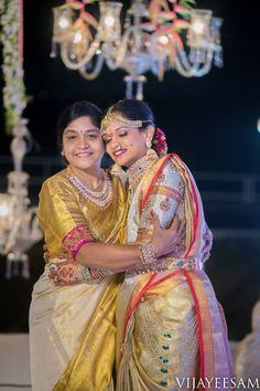 How to wear necklaces ideas accessories 22 super Ideas Bridal Blouse Designs, Saree Blouse Designs, Mirror Work Blouse, Wedding Saree Blouse, Crop Dress, Indian Bridal Fashion, South Indian Bride, Indian Designer Wear, Clothes For Women