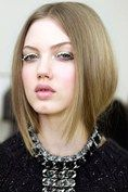 This winter we are taking out such winter hairstyles 2014 which gives you a cool look.Try our suggested winter hairstyles 2014 and groom your personality. Blonde Bob Hairstyles, 2015 Hairstyles, Winter Hairstyles, Trendy Hairstyles, Straight Hairstyles, Fashion Hairstyles, Blonde Hair, My Hairstyle, Updo