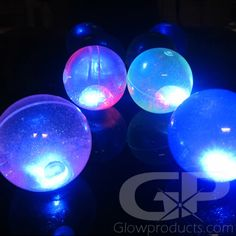 Light Up Flashing Bouncy Balls Flashing Light Up Bouncy Balls are fun water and sparkle filled glowing bouncy balls that flash with multi-color lights when bounced. 21st Birthday, Birthday Celebration, Birthday Party Themes, Glow Party Food, Led Hula Hoop, Party Giveaways, Bouncy Ball, Fun Events, Cool Toys