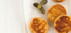 Croquettes de pommes de terre au thon, sauce aux cornichons Recettes | Ricardo