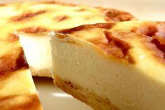 北海道のオホーツク海に面した北見市にある洋菓子店「ケーキハウス ティンカーベル」。各地の良質な素材だけを集めて作ったこだわりのチーズケーキ「チーズベーク」がおすすめ。発売以来27年間にわたって地元で愛され続ける、チーズの旨みを凝縮したスイーツを味わってみませんか?
