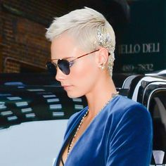 Cara Delevingne Puts a Silver Foil Spin on the Platinum Pixie