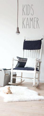 Mooie schommelstoel en prachtig gehaakte lamp - #wonenvoorjou