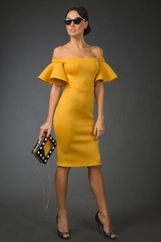 Yellow dress and black accessories Vintage Dresses 50s, 50s Dresses, Trendy Dresses, Elegant Dresses, Beautiful Dresses, Evening Dresses, Casual Dresses, Short Dresses, Fashion Dresses