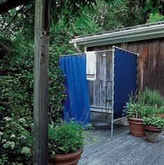Sarah Jessica Parker Outdoor Shower | Remodelista