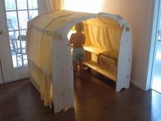 Previous pinner said: Make your own playstands! (It's easy. I promise.) We made a set in 2004 and they are still in play. Waldorf Playroom, Diy For Kids, Crafts For Kids, Waldorf Crafts, Diy Waldorf Toys, Waldorf Preschool, Idee Diy, Kids Wood, Imaginative Play