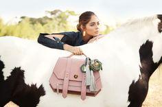Ballen Pellettiere - Xarin Bag - Campaign Shot by Andrea Swarz - Model Camila Avella Horse Fashion, Spring Summer 2015, Latina, Equestrian, Leather Bag, Fashion Photography, Horses, Models, Ss16