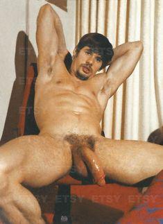 Gay Nude athlete Vintage Photo 1970s Male Nude Photography | Etsy Gay, Vintage Photographs, Vintage Photos, Photos Du, Cool Photos, Magenta, Jackson, American Football Players, Photo Vintage