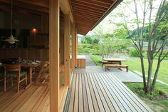 八ヶ岳 青柳の家|横内敏人建築設計事務所 Asian Design, Cozy Fashion, Japanese House, One Bedroom, House In The Woods, Outer Space, Open House, Deck, Farmhouse