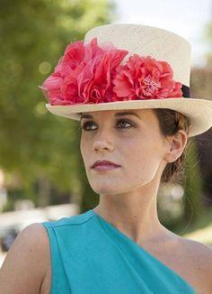 chistera invitada boda sombrero elegante perfecta wedding guest hat  Vestidos Boda De Dia f07448bf250