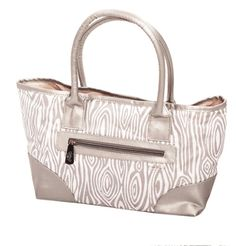 Glove It Silver Willow Tote Bag, the perfect accessory on and off the golf course! Grab one now! #golf #golfers #ladiesgolf #golfcourse #lpga #fashion #lorisgolfshoppe