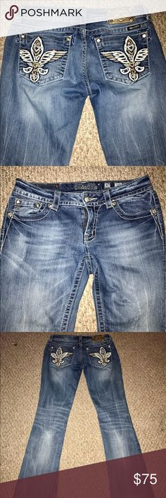 "Miss Me size 30x35 women's jeans Brand new women's size 30 jeans, fit like 29, 35"" inseam & in perfect condition. Beautiful bling, all stones & buttons intact Miss Me Jeans Boot Cut"