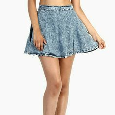 Vibrant Acid Wash Stretch Cotton jean skirt Vibrant Acid Wash Stretch Cotton jean skirt This is stretch cotton Great flare cut and fit This is a vintage piece Vibrant Skirts