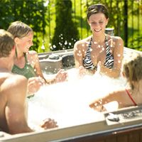 Hot spa tub rash help and advice. http://www.folliculitistreatment.us/hot-tub-rash.html hot-tub-hire-lisburn