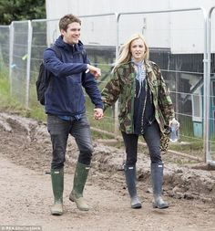 Give the summer's music festivals some welly like Fearne Cotton in Hunter #DailyMail