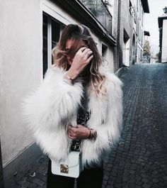 30 Chic Fall Outfit Ideas – Street Style Look. 43 Cool Outfits For Your Wardrobe This Fall – 30 Chic Fall Outfit Ideas – Street Style Look. Nye Outfits, New Years Eve Outfits, Trendy Outfits, Fashion Outfits, Fashion Trends, Winter Outfits, Holiday Outfits, New Years Eve Outfit Ideas Casual, Ladies Outfits
