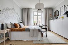 Våra olika bostäder till salu   Bostadsbutiken i Uddevalla Bedroom Wallpaper, Wallpaper Ideas, Scandinavian Bedroom, Bedroom Vintage, Minimalist, Modern, Furniture, Home Decor, Trendy Tree