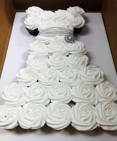 Bride cupcake dress (great for bridal showers).